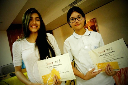 The two winners - Mae and Suthicha.
