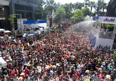 Revelers are treated to a Songkran musical foam party at Central Festival Pattaya Beach.