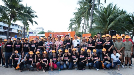 To the rescue - teams of good hearted citizens undertake the major cleanup.