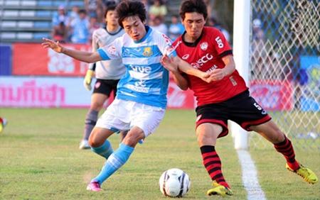 Pattaya United clash with Muang Thong United at the Nongprue Stadium in Pattaya, Saturday, April 20. (Photo/Offside/Pattaya United)
