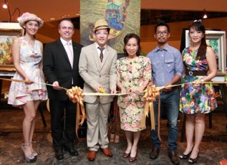 Khunying Trungjai Ittharat and Katha Chinabunchorn presided over the opening ceremony of an art exhibition titled 'Ang-Si-La in my mind' by Manu Chantarasorn at the Amari Watergate Bangkok recently. Part of the proceeds of this event will be donated to the Siriwattana Cheshire Foundation under the royal patronage of Her Majesty the Queen. (l-r) Thichacha Boonruangkao, Pierre Andre Pelletier, the hotel's General Manager, Katha Chinabunchorn, Khunying Trungjai Ittharat, Manu Chantarasorn and Nichaya Chaivisuth, Hotel's Director of Communications and PR.