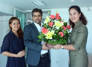Usa Pookpant (right), public relations manager, and Naruechon Petlek (left), public relations executive of the Centara Grand Mirage Beach Resort Pattaya paid a courtesy call on the Pattaya Mail offices to congratulate Suwanthep Malhotra on his appointment as president of Skål International Pattaya & East Thailand recently.