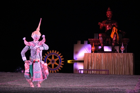 The evening's light and sound show depicting the era of King Ramkhamhaeng the Great was an extraordinary experience.