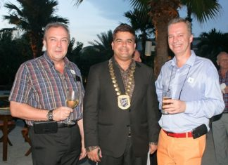 President Tony Malhotra is flanked by Rene Pisters (left), GM Thai Garden Resort and Past President Ingo G. Raeuber (right), Group General Manager of Pinnacle Hotels, Resorts & Spas.