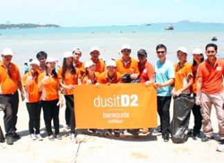 Staff from dusitD2 baraquda join the socially beneficial activity collecting garbage on Pattaya Beach.
