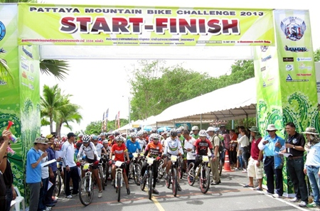 MTB riders line up at the start for the Pattaya Mountain Bike Challenge on Sunday May 12.