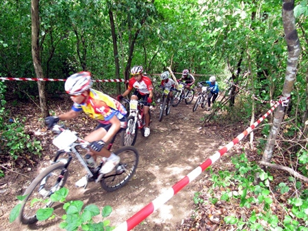 Riders tackle the challenging 6.5km mix-terrain course on Pratamnak Hill.