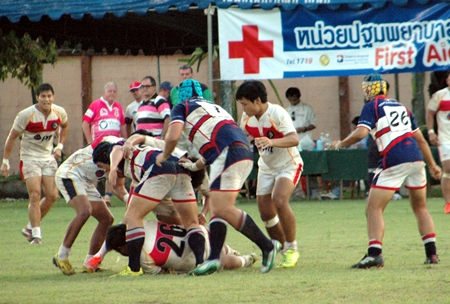 Thai Barbarians take on Thai Legends in the final.