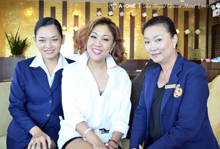 Maneenuch Smerasut, a.k.a. Kru Aun (centre), well known singer and commentator spent a few days of relaxation at the A-One The Royal Cruise Hotel Pattaya recently where she was welcomed by front office managers Thanvadee Vatavattana (left) and Natchaporn Sukprasert (right).