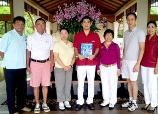 Tomo Kuriyama (center), GM of Sheraton Pattaya Resort together with Thanaphat Chakkaphak, marketing communications manager welcomed a group of journalist from the Hong Kong based Golf magazine after their strenuous coverage of the Asia Regional Golf Tournament 2013 held in Chonburi province recently. Wanna Tonak (3rd right), marketing officer for the Tourism Authority of Thailand in Hong Kong was on hand to ensure that their stay in Thailand was a pleasant one.