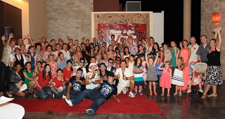 "Nitichai Nakornmuang (front row, centre), leisure manager of Centara Grand Mirage Beach Resort Pattaya invited more than 80 members and their families to a ""Fitness & Spa Get Together Party"" at Mirage Roof-Garden on the  resort's 19th floor recently."