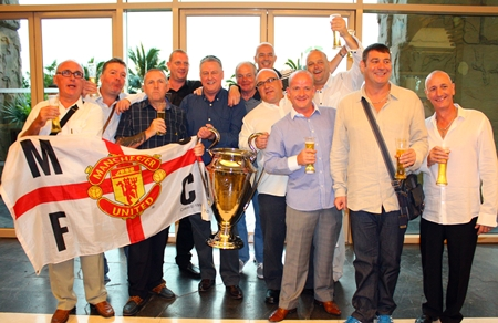 Pattaya Reds get ready to meet their footballing heroes.