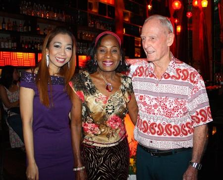 (L to R) Supparatch Piyawatcharapun, Social Director at Mantra Restaurant & Bar, Janet and Richard Smith.