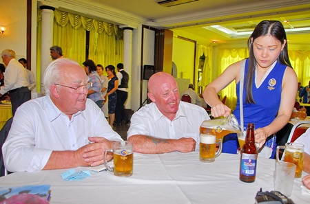 Lunch also included refreshments for Steve and Keith at the Royal Ipoh Club.