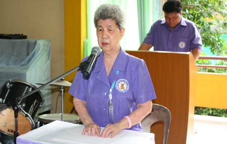 Principal Aurora Sribuaphan welcomes honored guests to the wai khru ceremony at the Redemptorist School for the Blind.