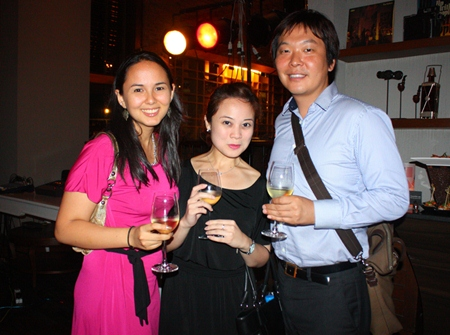 (L to R) Victoria Arnold (PR & Marketing Communications Manager, Royal Cliff Hotels Group), Maria Socorro Gequillana (PR & Marketing Communications Manager, PEACH - Royal Cliff Hotels Group) and Ichiro Adachi (Senior Sales Manager - Japan, Royal Cliff Hotels Group).