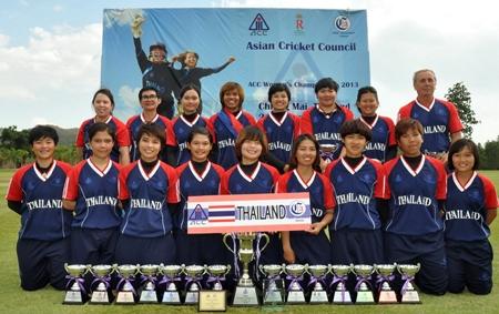 The Thailand women's team consists of Sornnarin Tippoch (captain), Nattaya Boochatham (vice-captain), Nanthanit Khoncan, Pundarika Prathanmitr, Ratanaporn Padunglerd, Nattakan Chantham, Chanida Sutthiruang, Sainnamin Saenya, Phira-On Khamla, Naruemol Chaiwai, Rattana Sangsoma, Premwadee Doungsin, Sirintra Saengsakaorat.
