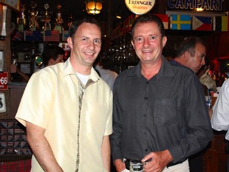 (L to R) Danilo Becker, Resort Manager of Thai Garden Resort and Carl-Fabian Arp, MD, Thai-Ger Line Golf.