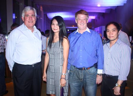 (L to R) Frank Holzer from General Motors, Jiraporn Charoenpan, Sales Manager, Holiday Inn, Jeffrey Sage, Vice President Sales, APAC, Meru Networks and Neil Maniquiz, Head of the International Marketing of Bangkok Hospital.