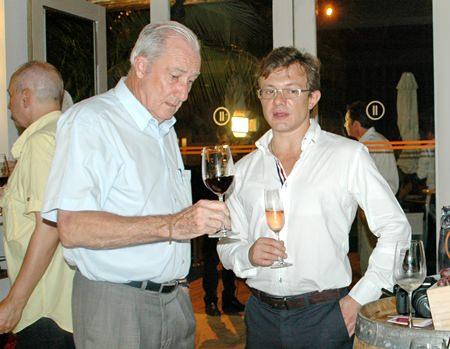 Dr. Iain Corness chats wine with Davide Contu Salis.