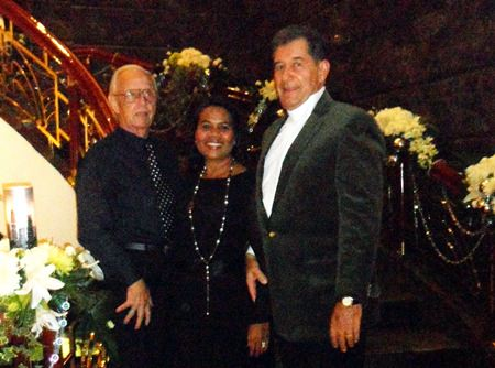 GM Hans Spoerri welcomes Erich Dietl and Tukda from Pattaya.