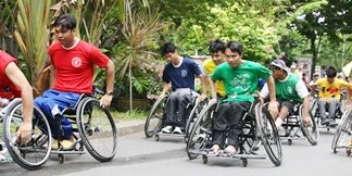 The start of the long wheelchair race.