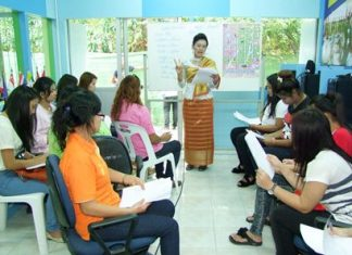 Chinese and English language, as well as customs of other Southeast Asian nations, are now being taught at the new ASEAN Education Center at the Chonburi Non-Formal Education Office.