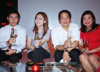 (L to R) Ananbodhin Wachoom, Assistant Food and Beverage Manager of Holiday Inn, Reungratt Rattanaphan, Sak Ngamsmai, Food and Beverage Operations Manager of Hard Rock Hotel Pattaya and Koonlapatporn Intalasing, On Premise Executive of Siam Winery Trading Plus Co., Ltd.