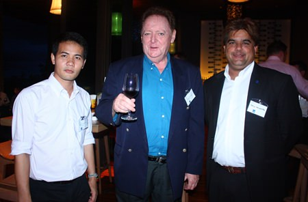 (L to R) Pasit Foobunma, Board Member & Web Master, Allan Riddell, Director of South African-Thai Chamber of Commerce and Tony Malhotra, Asst. MD of Pattaya Mail.