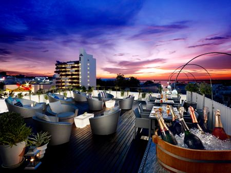 Enjoy some great sunsets and relaxing jazz music from the rooftop lounge every Friday and Saturday.