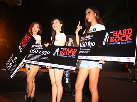 (L to R) 2nd Runner-up Tan Chin Fern, Ms. Hard Rock Southeast Asia 2013 Laureen Quah and 1st Runner-up Glady Laksmi happily show their winnings at the Hard Rock Hotel, Pattaya.