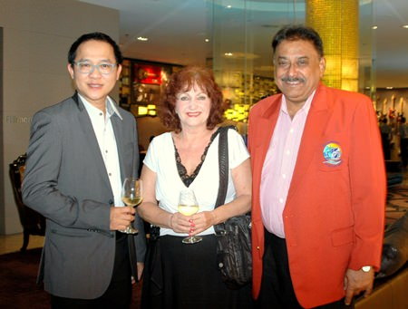 (L to R) Guest speaker Auttaphol Wannakij, Director of TAT Pattaya Office, Elfi Seitz executive editor Pattaya Blatt and Peter Malhotra MD of Pattaya Mail Media Group.