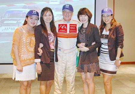 Som Corness, Janya Rattanaliam (BHP), Dr Iain Corness, Tepinya Rattikarn (BHP) and Jeena Papakan Saguansap, Tea Tree Spa Manager, Holiday Inn Pattaya.