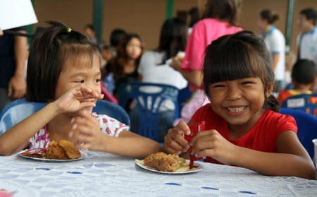 Good food always brings bright smiles.