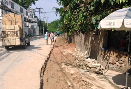 Local residents are fed up with a seemingly endless resurfacing cycle of Naklua Sois 16-18.