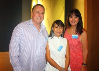 (L to R) John Howarth, MD, Wareeya Paochai, Officer and Gloria Jones, Marketing Manager of Asia Pacific Pensions.