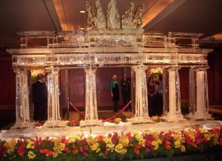 The Brandenburger door is sculptured in ice.