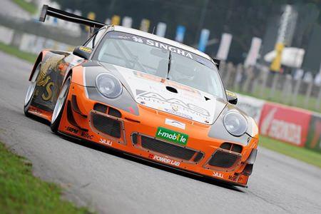 Vuttikorn Inthraphuvasak in his Singha-A Motorsport-Porsche was a double winner in the Class 1 event.