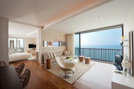 Hilton Pattaya Grand Ocean Suite.