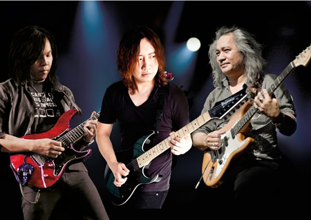 Jurors of the Guitar Battle (from left): Jack Thammarat, Olarn from The Olarn Project and Pop Woravit.