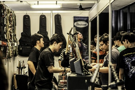 The event at Hard Rock Pattaya was a real treat for guitar enthusiasts.