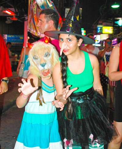 The Wicked Witch of the West and Cowardly Lion were spotted on Walking Street looking for the Yellow Brick Road.