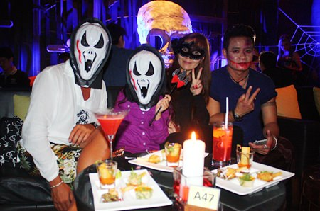 It's Scary Movie the Sequel in the Zulu bar at Centara Grand Mirage Beach Resort Pattaya.