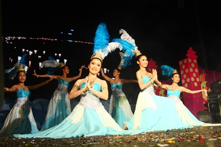 Dancers stage a magnificent performance of the 'Night of Lights', receiving loud applause from spectators, echoing all over Bali Hai pier, where Pattaya's Loy Krathong festival was held.