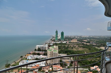 The Jomtien and Na Jomtien coastal area is seeing an increasing number of new developments spring up in line with an improvement in infrastructure and transport connections.
