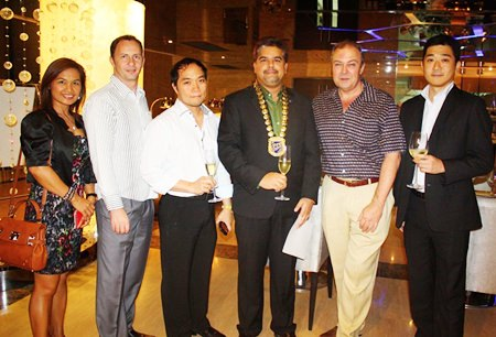 (L to R) Ploy Pisters, Danilo Becker, Thai Garden Resort, Neil Maniquiz, Bangkok Hospital Pattaya, Tony Malhotra, Pattaya Mail, Rene Pisters, GM of Thai Garden Resort and Tomo Kuriyama, GM of Sheraton Pattaya.