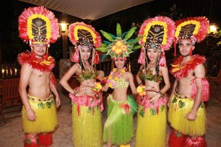 Hawaiian dancers put on a memorable show.
