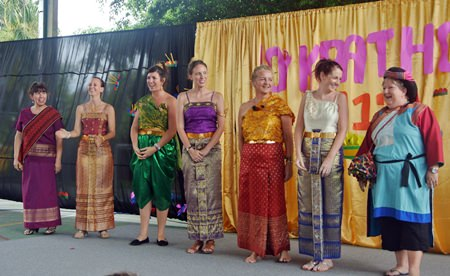 GIS teachers looked fantastic for Loy Krathong!