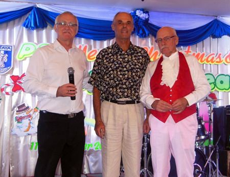 Chris Davisson (center) with PSC President Tony Oakes (left) and PSC Social Chairman Nigel Cannon (right).