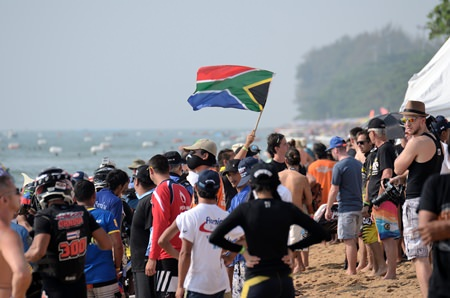 Spectators flocked in their thousands to Jomtien beach to enjoy the action.